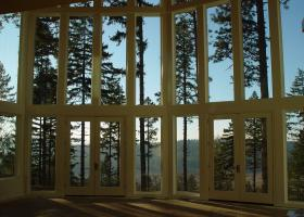 Glass windows and doors for a fabulous view.
